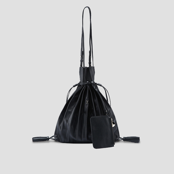 [장도연 착용]  Lucky Pleats Shopper Rich Black