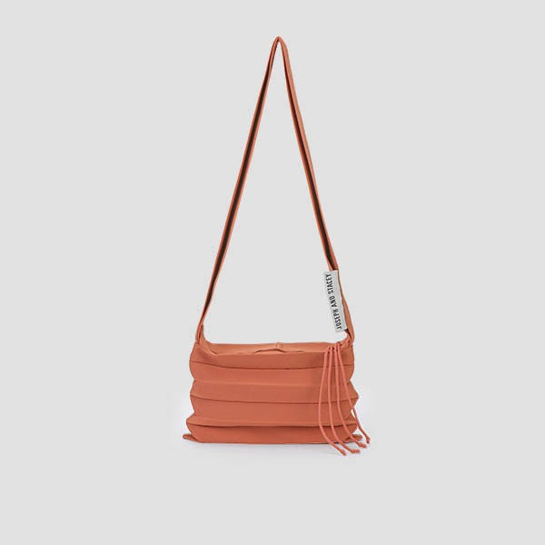 [3/2 예약배송]Lucky Pleats Knit Crossbag Burnt Peach